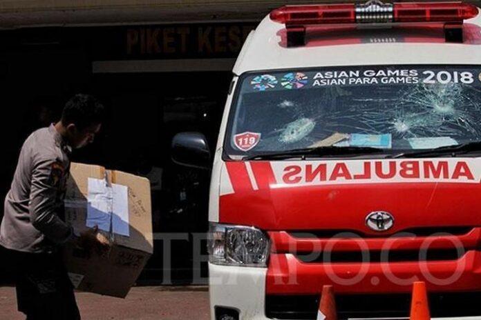 Hoax Ambulance Bawa Batu