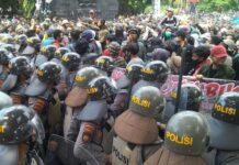 unjuk rasa menolak UU Cipta Kerja