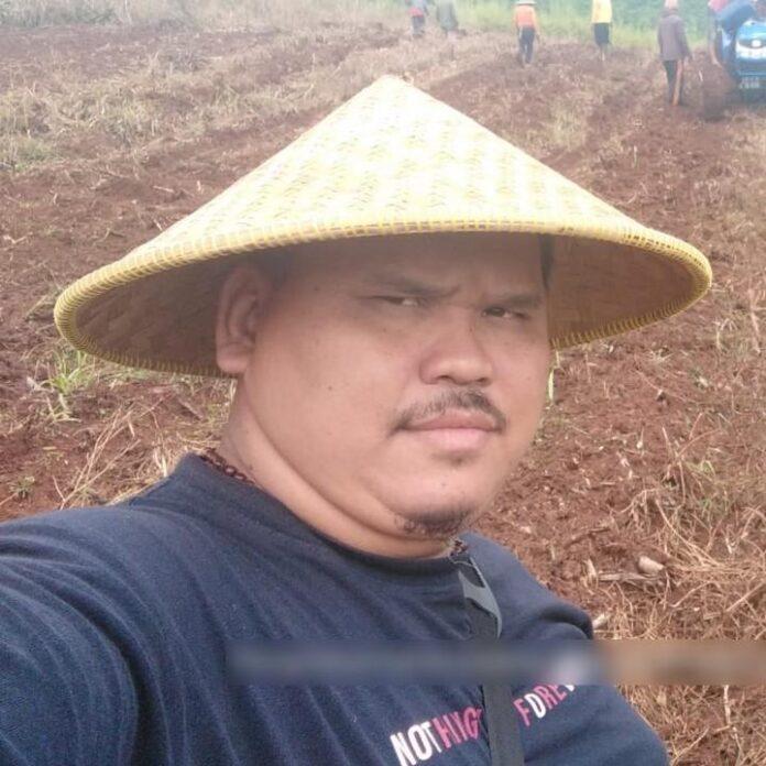Iwan Gunawan, Kepala Desa Cibulan