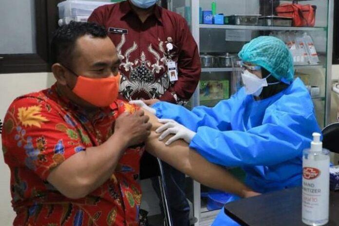Vaksinasi di Universitas Muhammadiyah Magelang